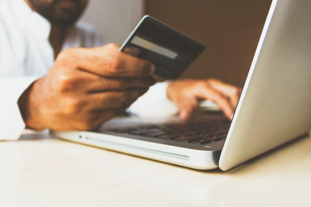 海外積立の支払い方法に関連するQ&Aまとめ