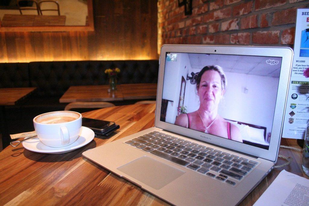 Skypeよりも明らかに快適で授業に集中しやすい